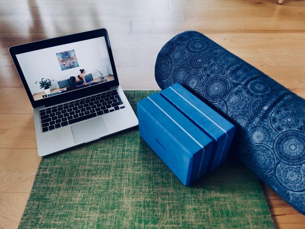 Schwangeren Yoga: online